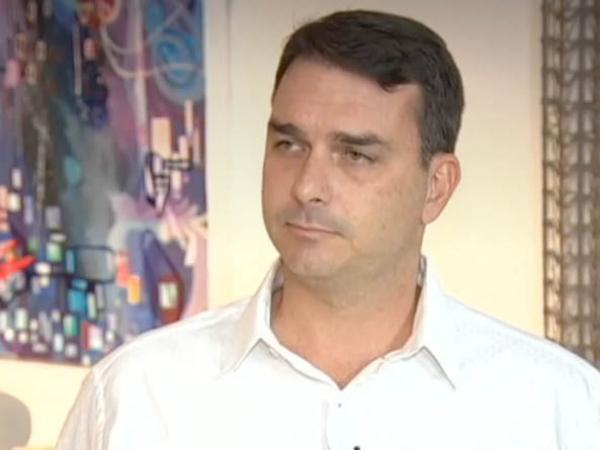 Flávio Bolsonaro: dinheiro de venda de imóvel