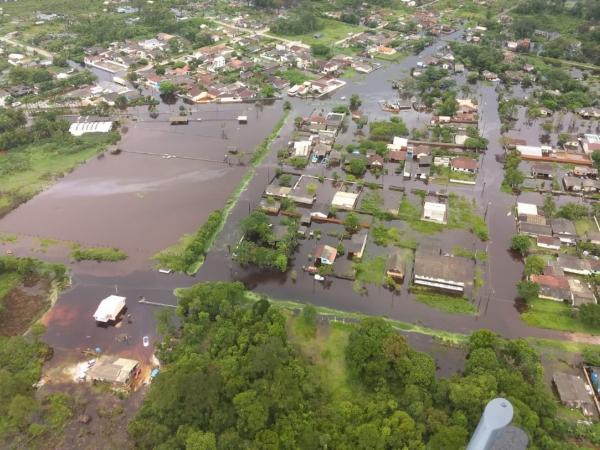 Chuvas do fim de semana deixaram bairros de Guaratuba alagados