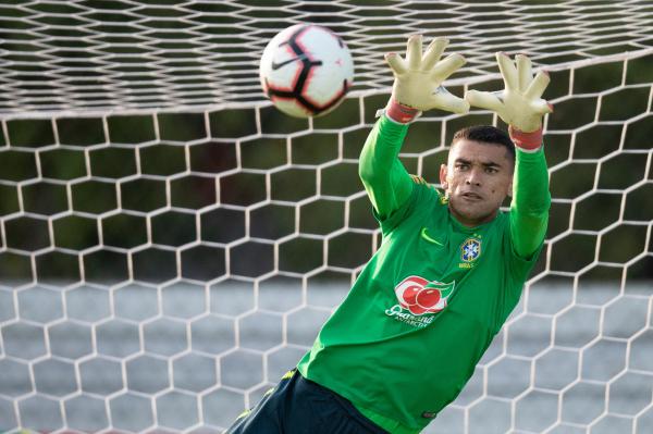 Santos, em treino da seleção brasileira