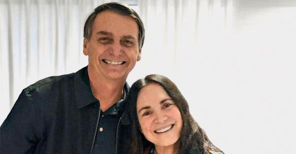 Bolsonaro e Regina Duarte, em 2018
