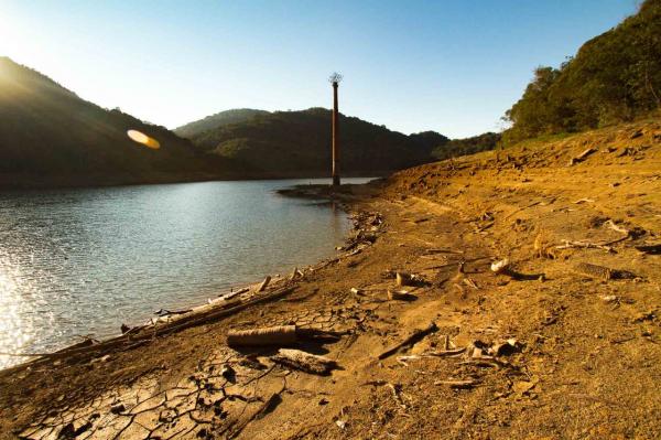 Economia de água cai dos 20% e Sanepar dá 'bronca' no consumidor da RMC