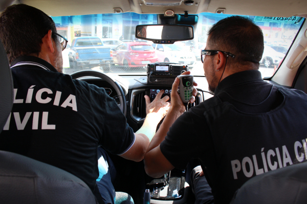 Policiais em ação