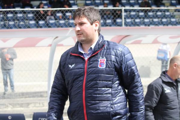 Matheus Costa, técnico do Paraná