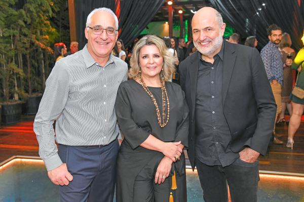 Luiz Pelizzer, Marinice Bettega, e o arquiteto Jayme Bernardo