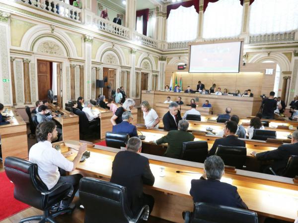 Câmara: pautas polêmicas já no início do ano