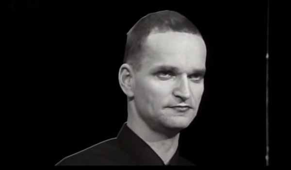 Florian Schneider: alemães do Kraftwerk foram pioneiros da música eletrônica, influenciando vários gêneros, como o hip-hop e o rock