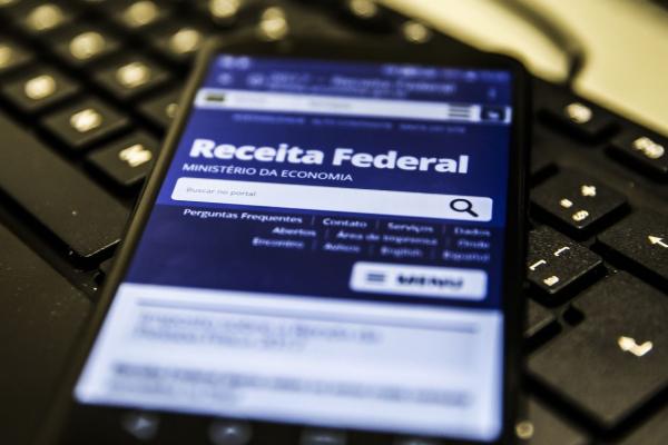 Pagamentos da restituição do IRPF seguem até dezembro