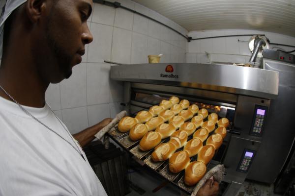 Na quarta-feira o Sindicato da Panificação vende o pãozinho francês sem impostos para o consumidor