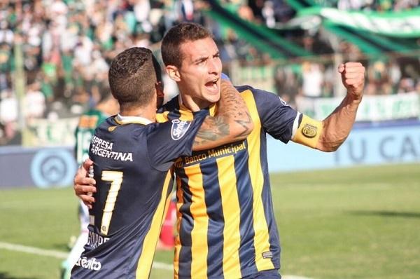 Marco Ruben comemora gol pelo Rosario Central
