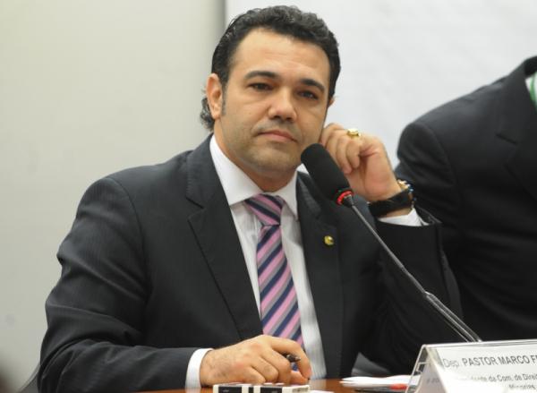"""Feliciano: parlamentar viaja com Bolsonaro em agendas oficiais e participa de """"lives"""" com o presidente"""
