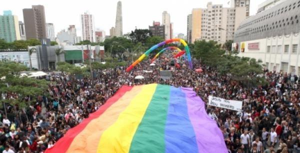 Foto ilustrativa da Marcha para Diversidade de Curitiba em 2018
