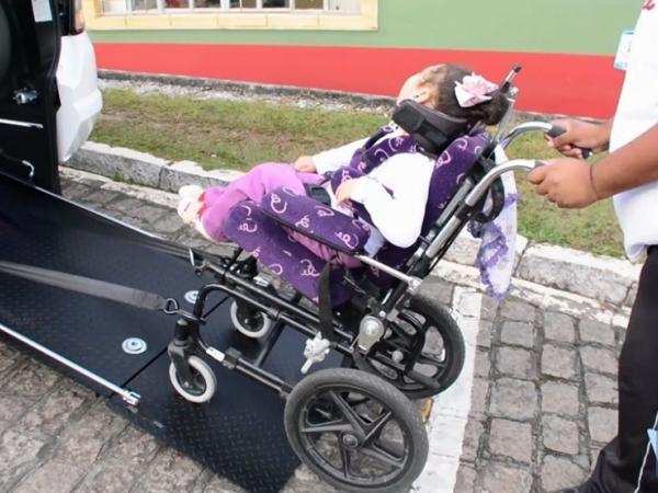 Atendimento do transporte auxilia os mais necessitados