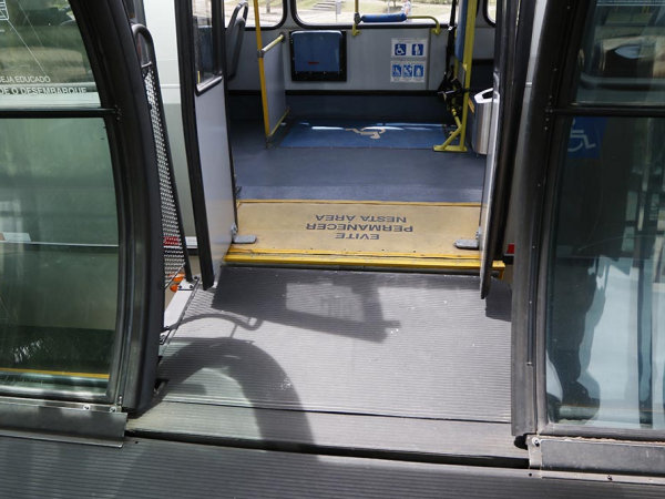 Rampas dos ônibus foram retiradas para realização dos testes