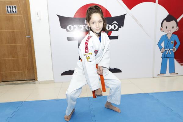 Luana treina desde os cinco ano e é vice-campeã nacional