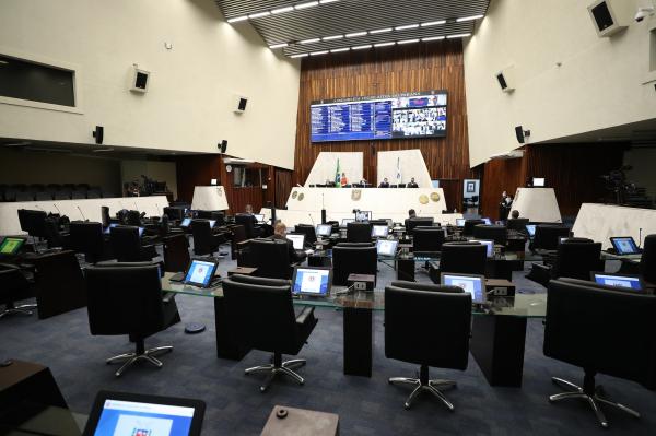 Assembleia: deputados de oposição criticaram votação de projeto em meio à pandemia, com Casa fechada ao público