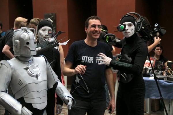 De estandes de grupos nerds a concursos de cosplay, o evento pega carona no universo da série 'Star Trek'.