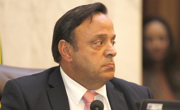 Bakri: líder do governo confirmou revogação