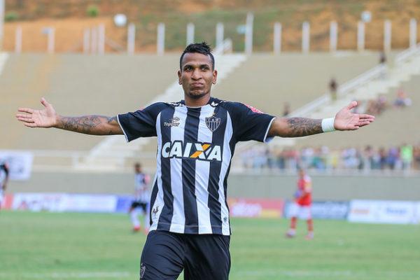 Otero: média de gols superior à de Nikão