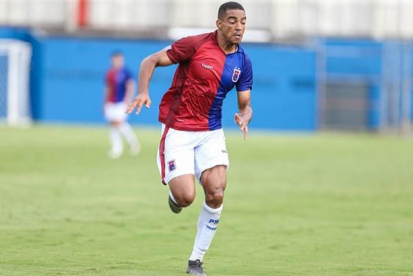 Jeninson: um gol na Vila Capanema