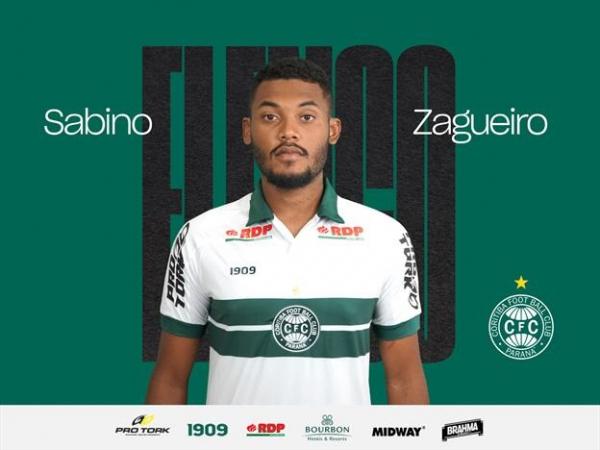 O zagueiro Sabino: emprestado pelo Santos