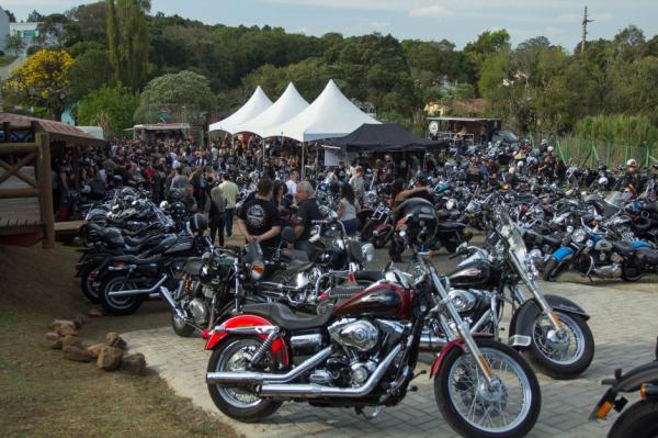 Evento reúne exposição de motos e Food Trucks - Bem Paraná 281d555c45f