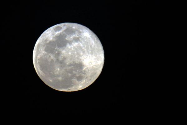 Perceber a influência da lua para tomar decisões do dia a dia faz sentido para a física, química ou biologia?