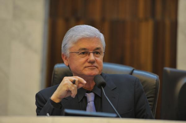 MP denuncia ex-presidente da Assembleia por contratação de 'fantasmas'