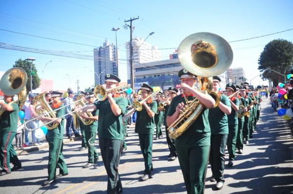 Desfile de 7 de Setembro começa às 9h30 na Avenida Paraná