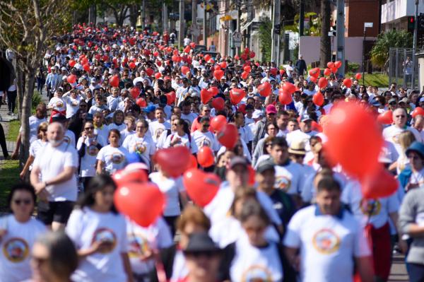 """Tradicional Caminhada do Coração, ontem: um apelo para que todos """"escutem o seu coração"""""""