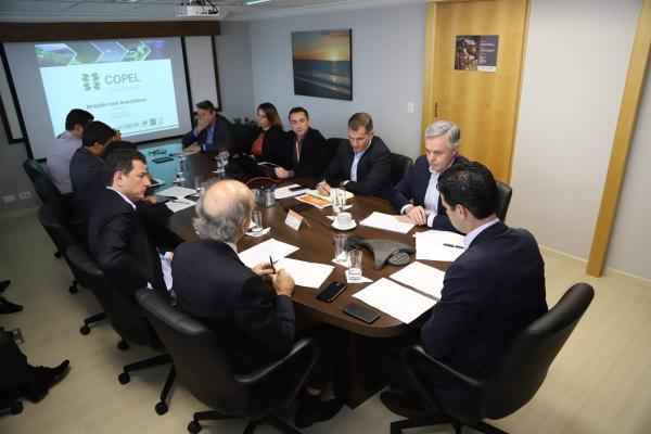 Presidente da Copel, Daniel Pimentel Slaviero, reunido com a diretoria para apresentação dos resultados financeiros de 2018.