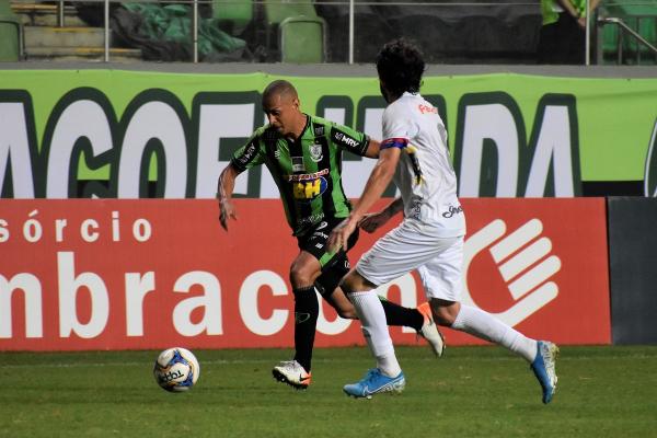 Fernando Neto contra o América-MG
