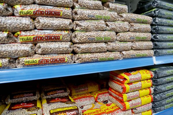 Auxílio destina-se exclusivamente para a compra de produtos alimentícios que compõem a cesta básica