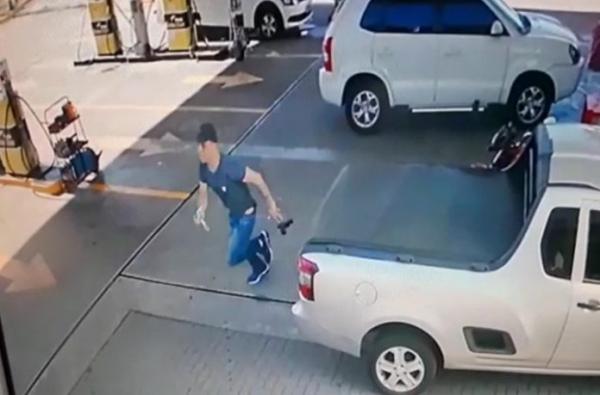 Suspeito foi preso em posto no Uberaba