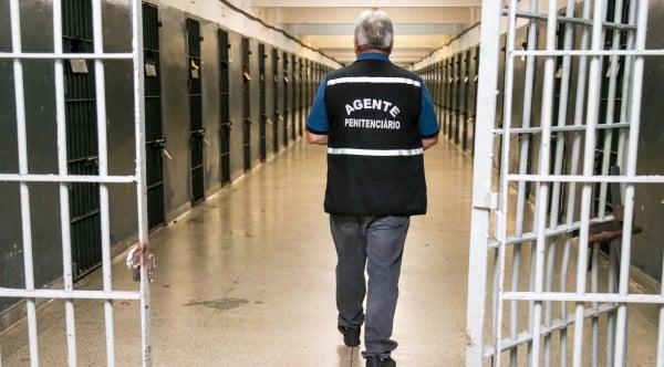 Paraná tem 18.635 vagas em seu sistema prisional e abriga 22.500 presos