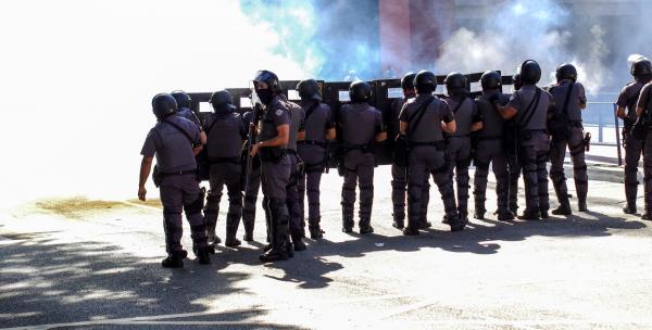 Confronto começou após encontro entre manifestantes pró e contra Bolsonaro