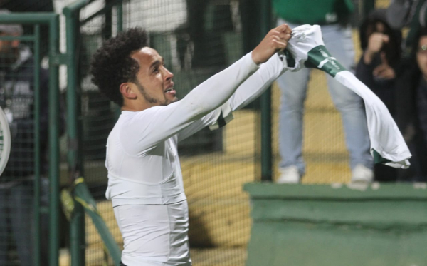 O ponta Rafinha: mesmo aos 36 anos, ainda é uma peça decisiva para o Coritiba e foi um dos acertos de 2019