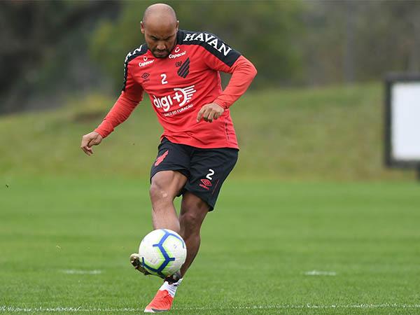 """Jonathan: """"Para os jogadores do Flamengo, serve como motivação"""""""
