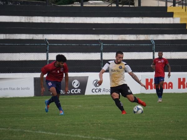 Jogo-treino entre Operário e Paraná Clube, em Ponta Grossa