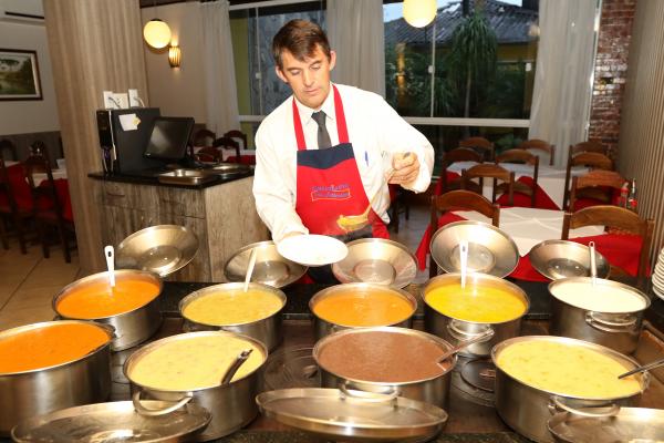 Sopas são um dos pratos preferidos no inverno, mas nem sempre sai barata