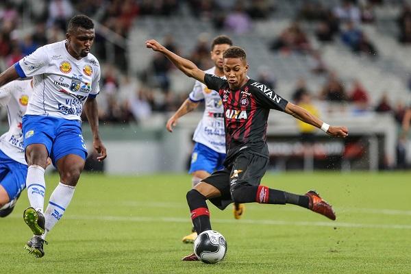 Vitor Naum, o Vitinho: quatro jogos pelo profissional em 2018