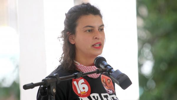 """Professora Samara (PSTU): """"Romper contratos privados"""""""