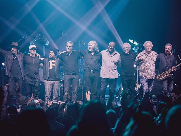 Dire Straits Legacy se apresenta em abril, em Curitiba