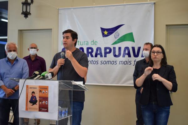 """O prefeito Silvestri Filho: """"a decisão de abrir o comércio de forma gradativa é pela necessidade de evitar a aglomeração de pessoas (clientes) na mobilização de funcionários, tanto dentro dos estabelecimentos quanto no transporte coletivo"""""""