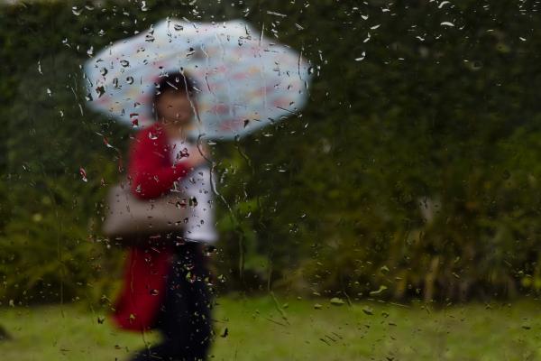 Ontem, Curitiba teve chuviscos praticamente durante todo o dia