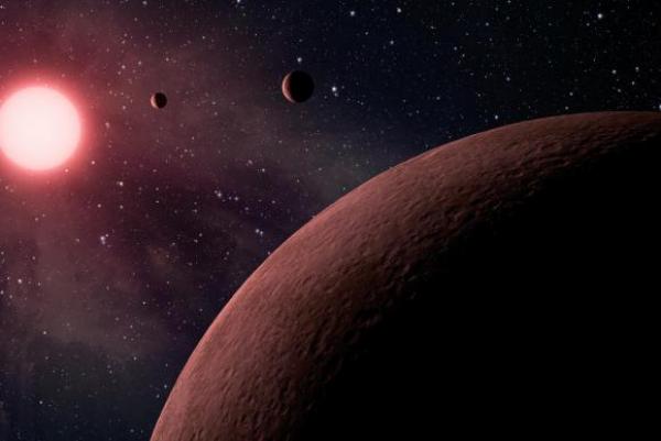 Telescópio descobre 10 exoplanetas onde poderá existir água em estado líquido