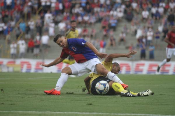 Paraná 2 x 1 FC Cascavel