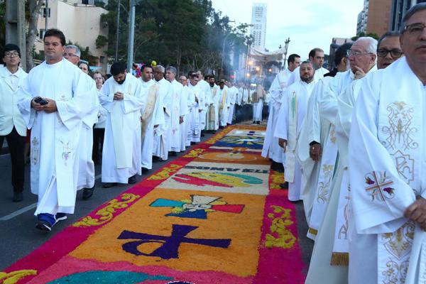 Procissão de Corpus Christi é um dos principais eventos católicos