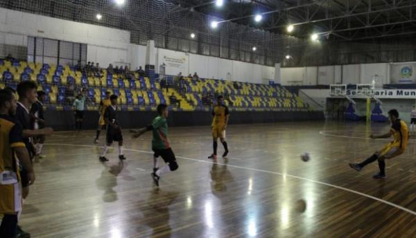 b7a5119a414d5 São José dos Pinhais Futsal goleia Seleção de Curitiba - Bem Paraná