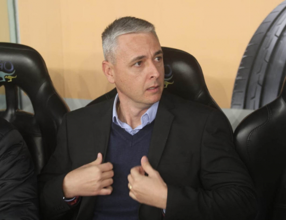 """Tiago Nunes: """"Tem gente que pensa que futebol é que nem jogo do Cartola, que escala, desescala e está tudo certo"""""""