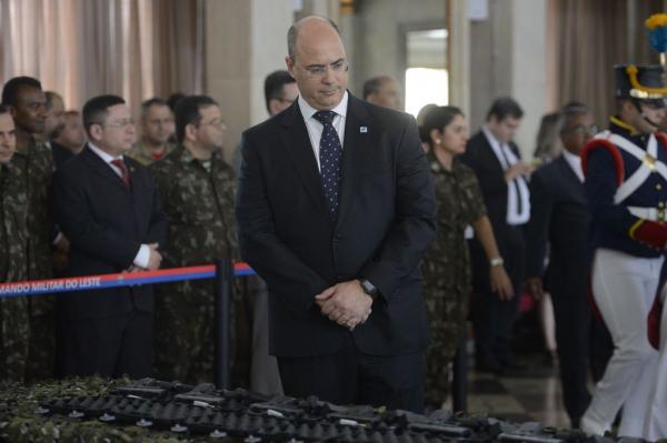 Wilson Witzel (PSC): internautas questionam participação da Polícia Militar na ação
